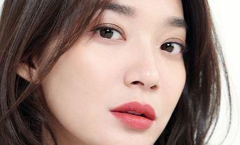 Shin MinA for Cosmopolitan Magazine May Issue