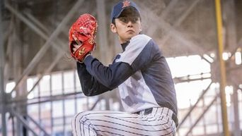 6 Male K-Pop Idols Who Look Good In Baseball Outfit