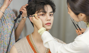 Song Kang For Grazia Magazine PhotoShoot Behind-the-Scene