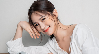 Lee Elijah For Marie Claire Magazine PhotoShoot Behind-the-Scene