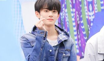 VERIVERY KangMin Currently The Rave Among Netizens For Being Able To Give Off 'Oppa' & 'Baby' Vibes At The Same Time