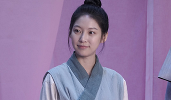Gong SeungYeon, Drama 'Flower Crew: Joseon Marriage Agency' Poster Behind Shooting Scene