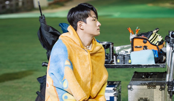 Shin SeungHo, 'At Eighteen' Drama Set Behind-the-Scene