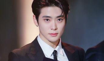 NCT's JaeHyun Looks More Charming Than Before With A Suit In Award Ceremony