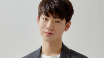 """Bae HyeonSeong Profile: Rookie Actor Of 'Love Playlist' & 'Extraordinary You"""""""