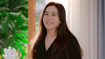 """Deeper Look: Son YeJin's Beauty Products In """"Crash Landing On You"""""""