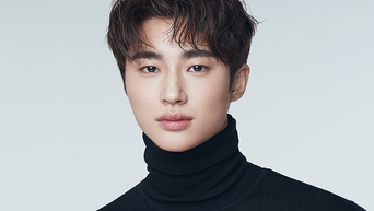 """Byeon WooSeok Profile: 187cm Rising Actor Of """"Flower Crew: Joseon Marriage Agency"""" & 'Record Of Youth'"""