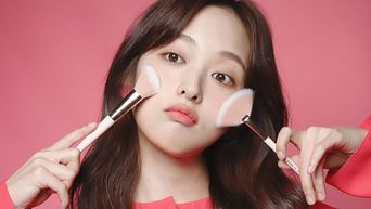 Deeper Look: Kim BoRa's Beauty Products In Drama 'Touch'