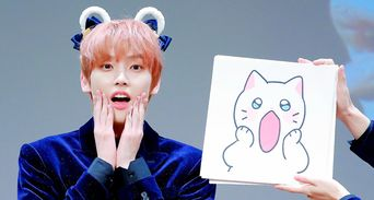 SF9's InSeong Imitating To Cat Emoticon Causes FANTASY To Squeal