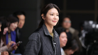 """SooYoung, """"Tell Me What You Saw' Drama Set Behind-the-Scene"""