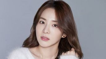 Sandara Park's Phone Is Over $2K Here's Why
