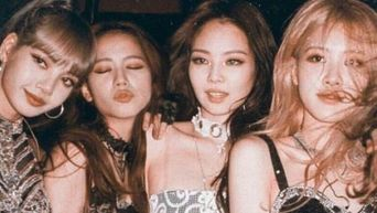 Ever Wonder Why There Are Only Female Staff Around BLACKPINK?