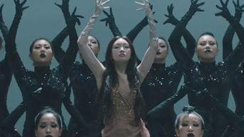 Strange Yet Satisfyingly Unique K-Pop Choreography Chosen By Netizens