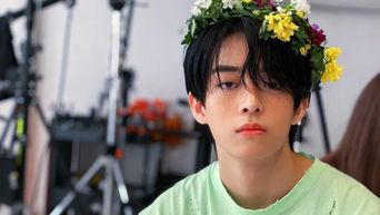 QUIZ: Which Male K-Pop Idol Will Surprise You With Flowers?