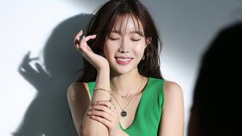 Im SooHyang, Photoshoot Behind-the-Scene - Part 2