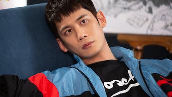 Park KiWoong, Drama Poster Shooting Of 'Kkondae Intern' Behind-the-Scene - Part 2