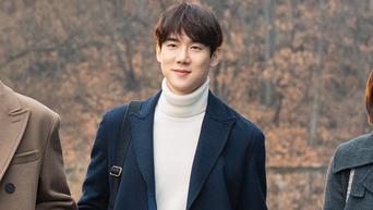 Yoo YeonSeok Drama Poster Shooting Of 'Hospital Playlist' Behind-the-Scene - Part 1