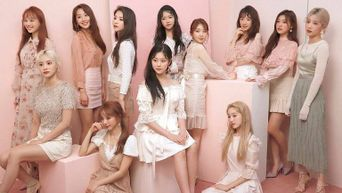 LOONA Light Stick Unveiled & It Just May Be The Biggest One Of All Out There
