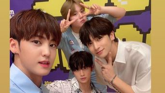 Fans Reminiscences As B.O.Y Snaps A Photo Together H&D On 'Idol Radio'