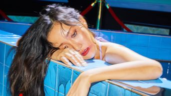 MAMAMOO's HwaSa Unable To Perform On 'KCON:TACT 2020 SUMMER' Due To Back Pain