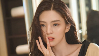 Five Celebrity Faces You Can See In Actress Han SoHee