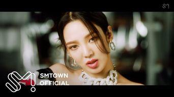 HYO - 'DESSERT (Feat. Loopy, SoYeon ((G)I-DLE)' MV