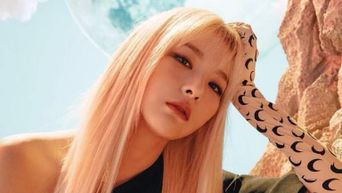 Yellow & Blonde Hair On Idols Make It Difficult For Fans To Decide If Natural Black Is Better
