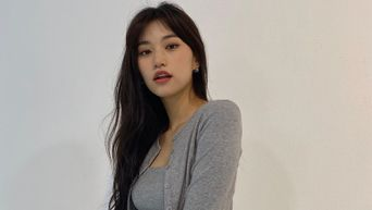 Weki Meki's DoYeon Surprises Many by Naming Her Brother As Her Ideal Type