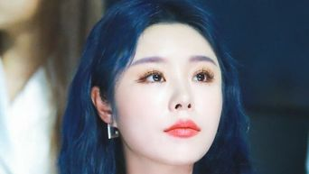 Matching The Colors Of Your Hair Dye & Eyebrows Shown By K-Pop Idols