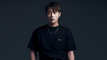 Yoon DooJoon For SINGLES Magazine September Issue