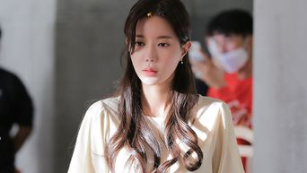 Im SooHyang, 'When I Was Most Beautiful' Drama Set Behind-the-Scene