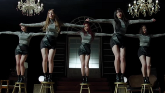 Dangerous K-Pop Choreography Fans Can't But Help Worry & Be Amazed At The Same Time