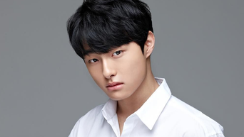 Yoon ChanYoung Profile: Actor From 'Everything and Nothing' To 'All of Us Are Dead'