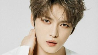 This Idol Broke Up With Girlfriends Because He Chose His Fans Over Them