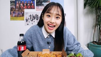 LOONA's Chuu Spreads Environmental Awareness Through YouTube Channel 'Chuu Can Do It'