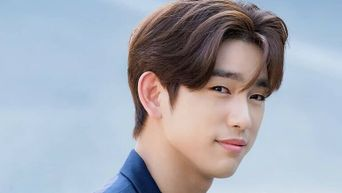 3 Reasons Why JinYoung Will Always Drive The Ladies Crazy