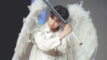 Lee JinHyuk Spreads His Wings And Transforms Into An Angel