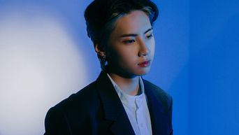 [WINNER ANNOUNCEMENT] Album Giveaway: Take The Quiz About Lee JinHyuk's '5K' MV And Win A Hand Signed Mini-Album, 'SCENE26'!