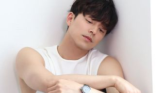 Gong Yoo, Photoshoot Behind-the-Scene - Part 1