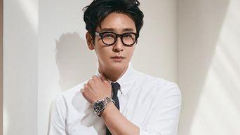 Ju JiHoon For Esquire Korea Magazine June Issue
