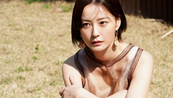 Jung YuMi, Photoshoot Behind-the-Scene