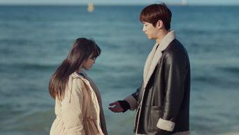 Weekly Drama Romantic Scene: U-KISS's Jun Opens Up Jung JiSo's Heart On The Beach In 'Imitation'
