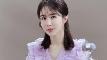 Yoo InNa, Commercial Shooting Behind-the-Scene