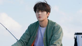 Kim SeonHo, Drama 'Hometown Cha-Cha-Cha' Set Behind-the-Scene - Part 2