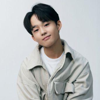 JYP LOUD Okamoto Keiju