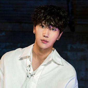 VROMANCE Lee HyunSeok