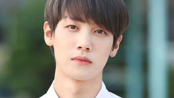 """Undefinable Attractive Visual Of IZ's HyunJun In """"Remember, HaRi"""""""