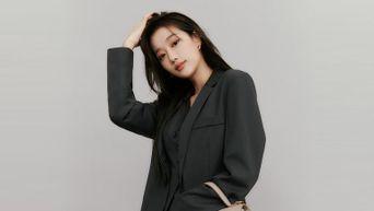 April's NaEun Becomes The New Muse For 'Jestina' Handbags