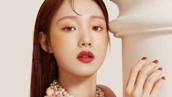 Lee SungKyung For Marie Claire Korea Magazine March Issue
