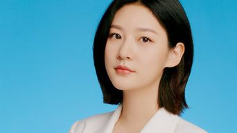 Kim SaeRon For ELLE Korea Magazine June Issue